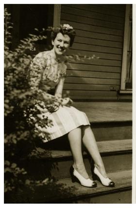 mom.1940s_sm